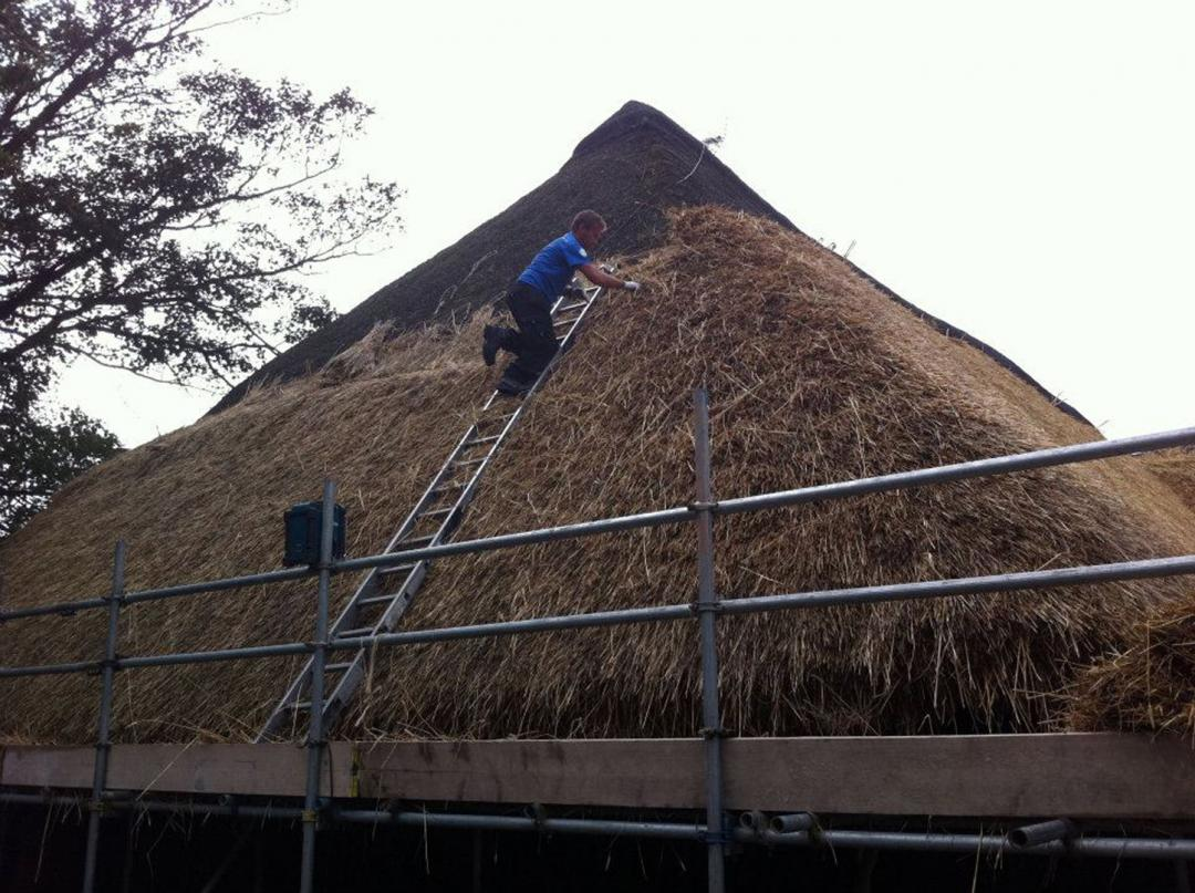 Roof Thatchers Amp Thatching Services In Kent Sj Eccles